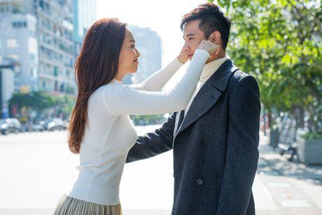 Ai Phuong tinh tu ben Ho Vinh Khoa trong MV moi - Anh 2