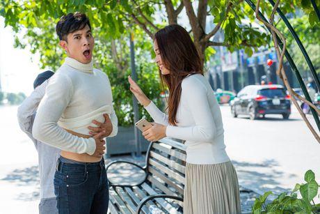 Ai Phuong tinh tu ben Ho Vinh Khoa trong MV moi - Anh 6