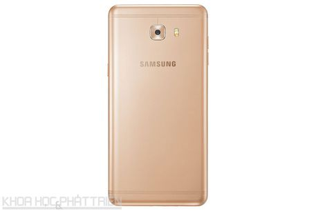 Tren tay smartphone RAM 6 GB, camera selfie 16 MP cua Samsung - Anh 23