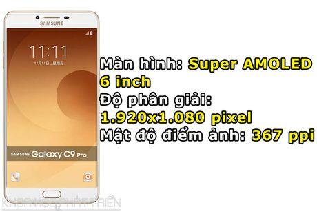 Tren tay smartphone RAM 6 GB, camera selfie 16 MP cua Samsung - Anh 5