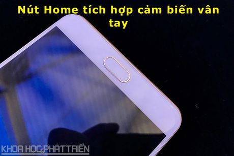 Tren tay smartphone RAM 6 GB, camera selfie 16 MP cua Samsung - Anh 8