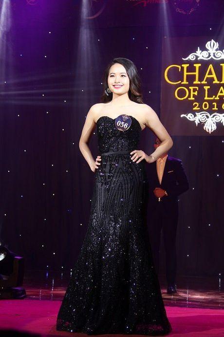Ngat ngay nhan sac nu sinh Truong DH Luat Ha Noi - Anh 13