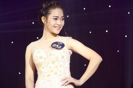 Ngat ngay nhan sac nu sinh Truong DH Luat Ha Noi - Anh 15