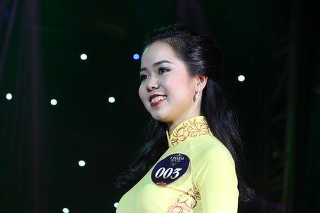 Ngat ngay nhan sac nu sinh Truong DH Luat Ha Noi - Anh 4