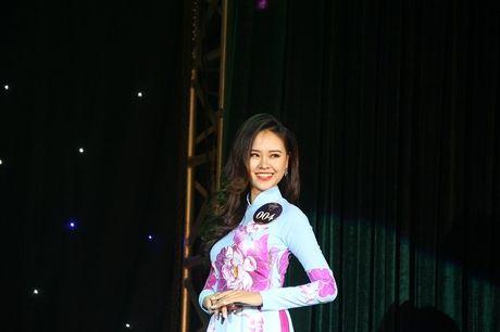 Ngat ngay nhan sac nu sinh Truong DH Luat Ha Noi - Anh 6