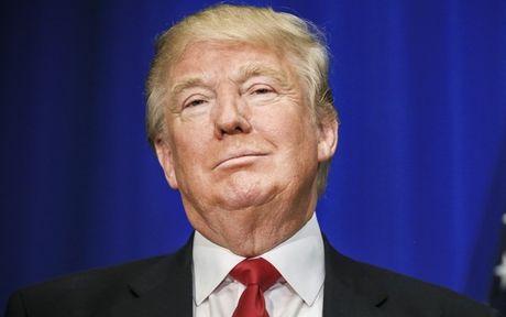 Truoc khi nham chuc, Donald Trump se phai ra hau toa - Anh 1