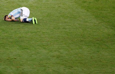 [Anh]: Messi bat luc trong tham bai cua Argentina - Anh 5