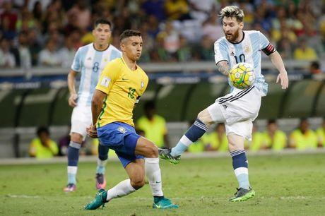 [Anh]: Messi bat luc trong tham bai cua Argentina - Anh 7