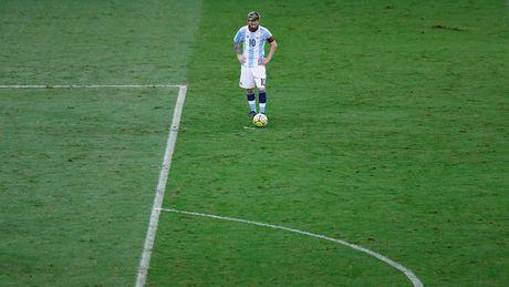 [Anh]: Messi bat luc trong tham bai cua Argentina - Anh 8