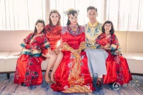 My nhan goc Viet Chung Le De len xe hoa lan 3 - Anh 2