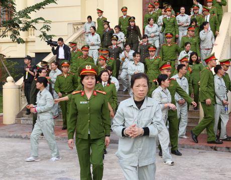 Tuyen an doi voi hon 100 bi cao trong vu danh bac o Quang Ninh - Anh 3