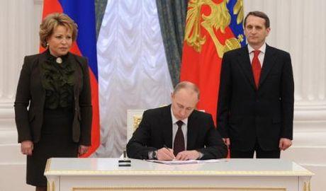 Tang cuong quan su tao vong cung Crimea-Kaliningrad: Noi dau phuong Tay - Anh 1