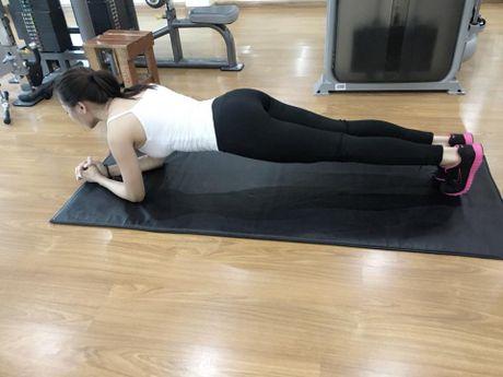 My nu thi Hoa hau Chau A tich cuc tap gym, luyen mua - Anh 4