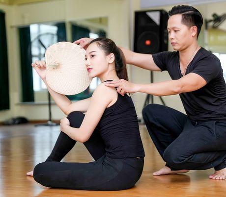 My nu thi Hoa hau Chau A tich cuc tap gym, luyen mua - Anh 7