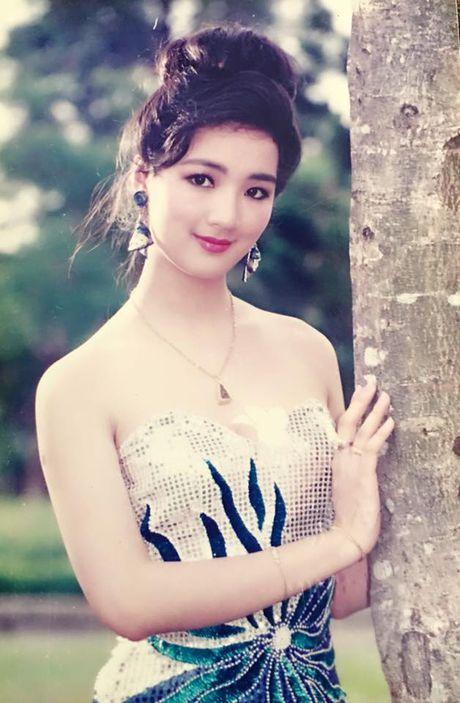 Khong ngo my nhan Viet thap nien 90 cung sexy den vay - Anh 11