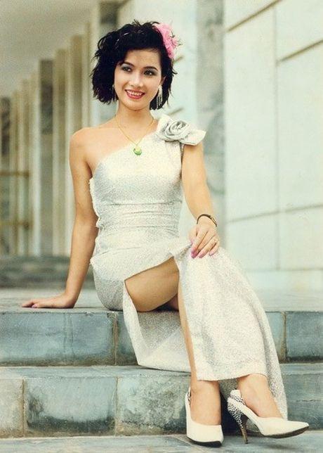 Khong ngo my nhan Viet thap nien 90 cung sexy den vay - Anh 5