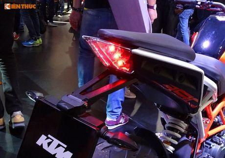 'Soi truc tiep' KTM Duke 390 moi tai trien lam EICMA 2016 - Anh 10