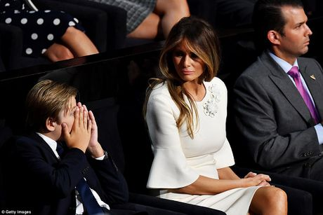 Anh dang yeu cua cau ut banh trai nhat nha ong Donald Trump - Anh 6