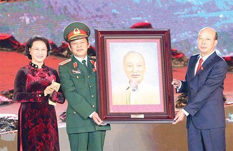 Chu tich QH Nguyen Thi Kim Ngan du Le ky niem Ngay Truyen thong cong nhan Vung mo - Anh 1