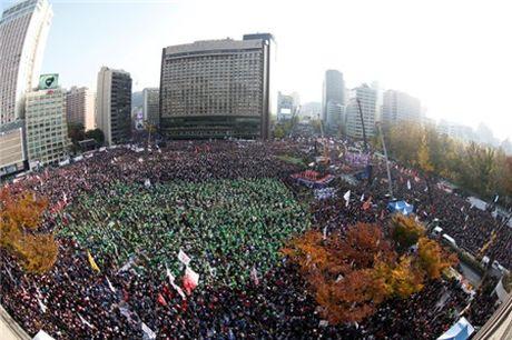 Seoul lai bieu tinh lon doi ba Park Geun-hye tu chuc - Anh 3