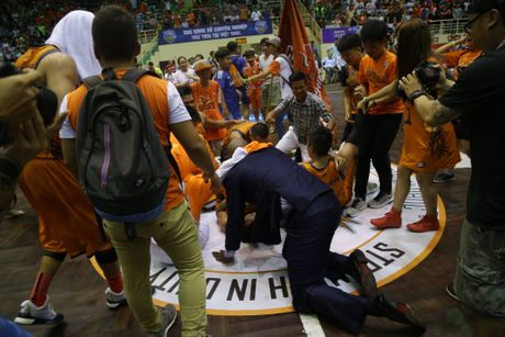 Danang Dragons bat ngo vo dich VBA - Anh 2