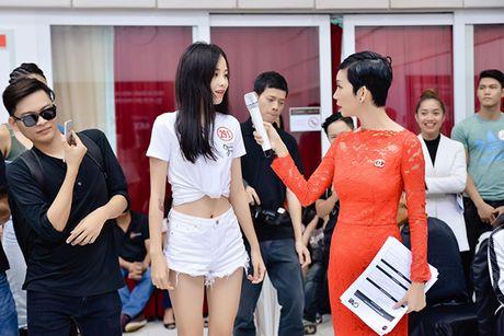 Chi gai sinh doi cua Nam Em di casting nguoi mau - Anh 3