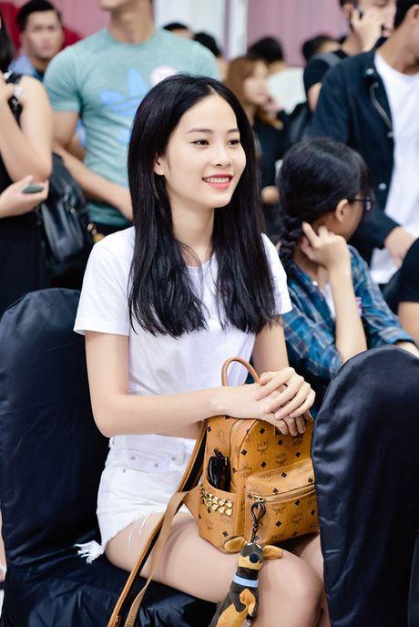 Chi gai sinh doi cua Nam Em di casting nguoi mau - Anh 7
