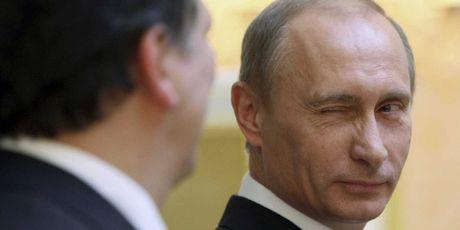 Ac mong cua Chau Au khi 'kep giua' Trump va Putin - Anh 3