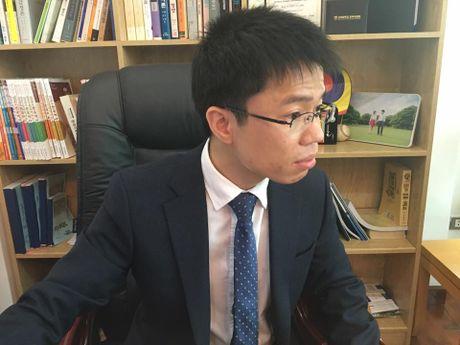 Thay giao trung tam du hoc chui bay: Bang tien si duoc cong nhan - Anh 1