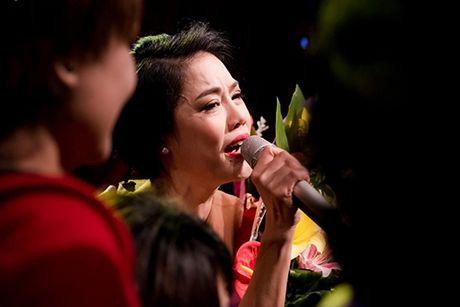 Thu Phuong khoc rong khi ve hat lai o Nha hat Tuoi Tre - Anh 9