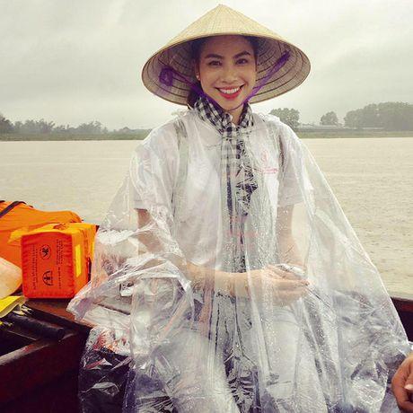 Pham Huong gian di nhung van 'dep' trong long cong chung - Anh 9