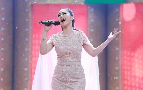 'Ca si giau mat': Luong Bich Huu loi nuoc ngap gap lai Sy Luan - Anh 3