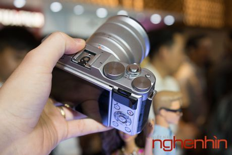 May anh mirrorless Fujifilm X-A3 len ke Viet gia 14 trieu - Anh 10