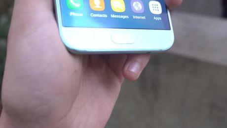 Galaxy A8 2016 roi tu ban xuong nen 'vo tu' - Anh 6