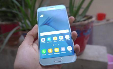 Galaxy A8 2016 roi tu ban xuong nen 'vo tu' - Anh 7
