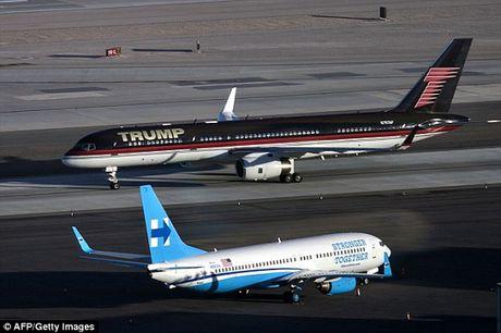 Soi sieu may bay khong thua kem Air Force One cua Donald Trump - Anh 3