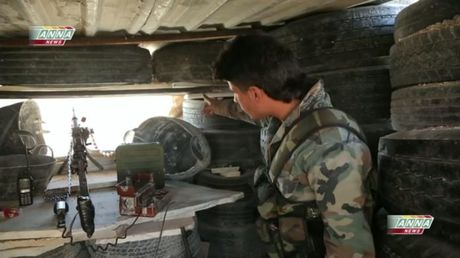 Video chien su: Quan doi Syria hop vay phien quan tai Aleppo - Anh 1