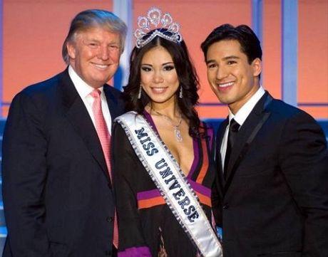 Den chon hoa hau, Tong thong Donald Trump cung cuc ky tinh tuong - Anh 4