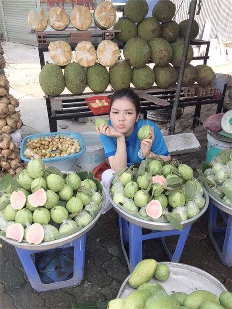 Khong long lay, kieu ki, day la cuoc song binh di cua 'Nu hoang hang hieu' bac nhat showbiz Viet - Anh 13