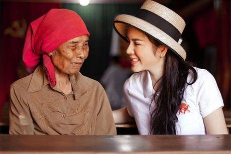 Khong long lay, kieu ki, day la cuoc song binh di cua 'Nu hoang hang hieu' bac nhat showbiz Viet - Anh 16