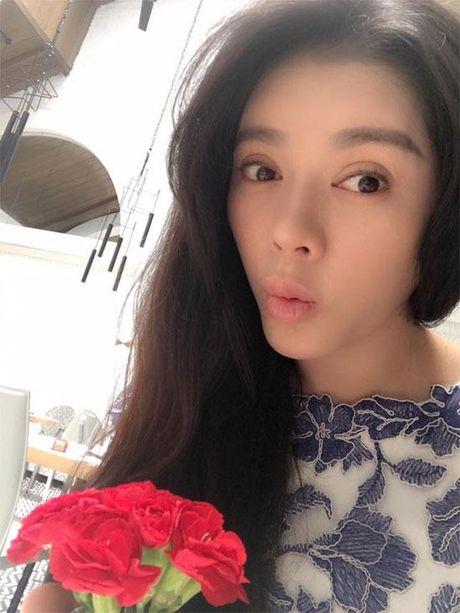 Khong long lay, kieu ki, day la cuoc song binh di cua 'Nu hoang hang hieu' bac nhat showbiz Viet - Anh 4