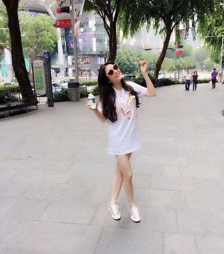 Khong long lay, kieu ki, day la cuoc song binh di cua 'Nu hoang hang hieu' bac nhat showbiz Viet - Anh 9