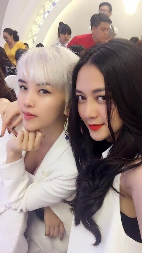 Di tim nhung cap chi em Jessica - Krystal phien ban Viet - Anh 9