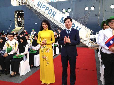 Tau thanh nien Dong Nam A dua 328 dai bieu thanh nien den TP.HCM - Anh 2
