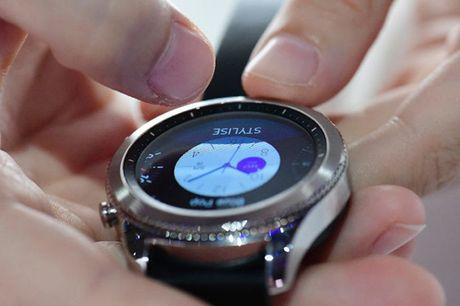 Samsung Gear S3 'len ke' tai Han Quoc - Anh 1