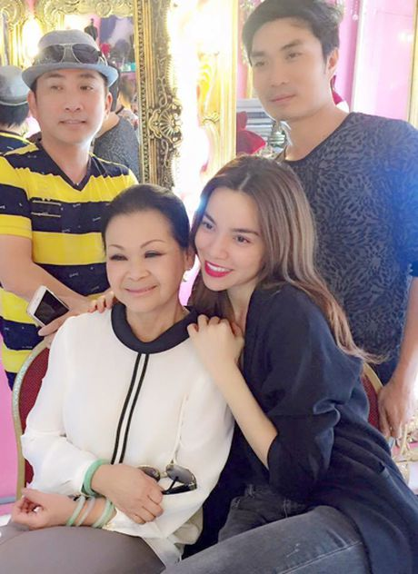 'Ha Ho hat trong live show Khanh Ly la con dao hai luoi' - Anh 2