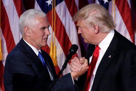 Pho tuong cua Trump dung dau qua trinh chuyen giao quyen luc - Anh 1