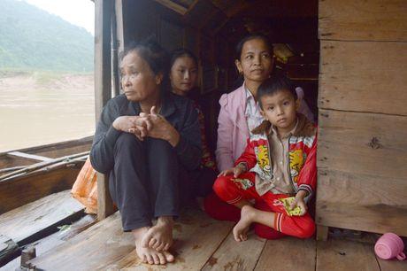 Ba gia dinh lenh denh tren song Gianh - Anh 5