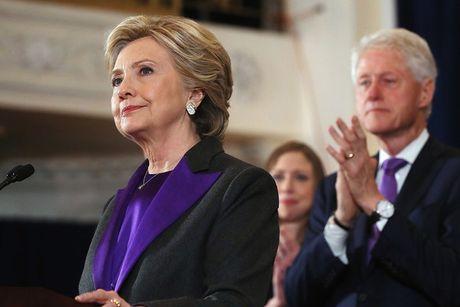 Dan My do xo mua bo vest trang cua Hillary Clinton - Anh 3