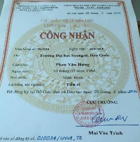 Bo GD&DT xac nhan bang tien si cua hieu truong chui hoc vien - Anh 1